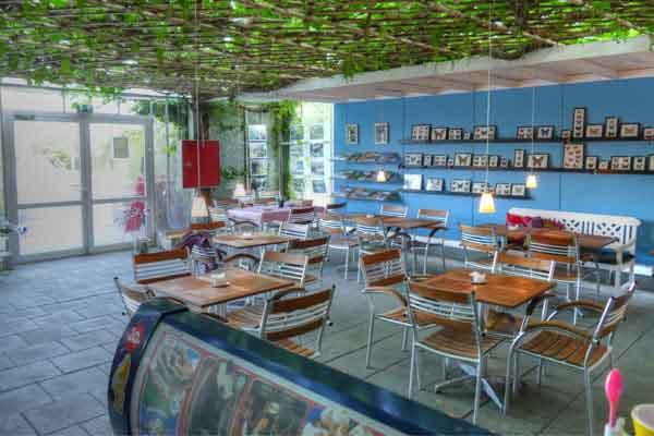 Café Puppen